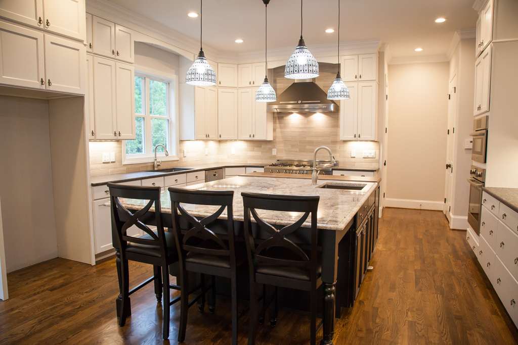 Custom built fully equipped luxury kitchen